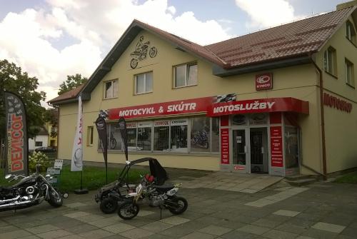 Prodejna Motoslužby Chrudim obr.02