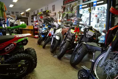 Prodejna Motoslužby Chrudim obr.05