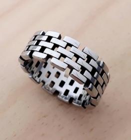 motorkářský prsten